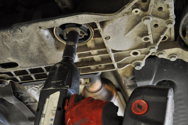 Late MkV/MkVI Vokswagen Golf/Jetta/GTI/GLI Dogbone Mount Insert Installation Guide