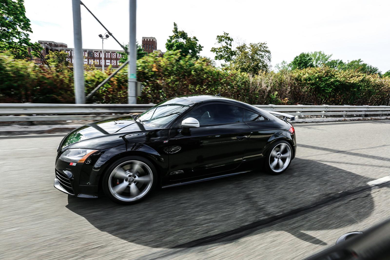 Audi TT RS Rolling Shot