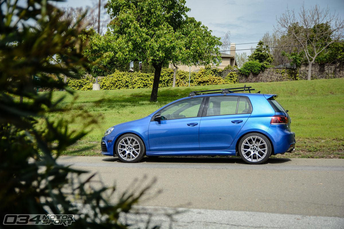 Lowered Golf R on VMR V810 Wheels